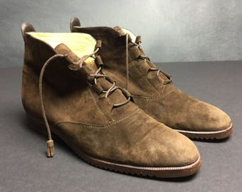 Vintage 80's chalet chic Rene Mancini French brown suede ankle booties