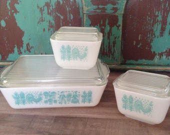 Pyrex Amish Butterprint Refrigerator Dishes Set of Three, 1960's