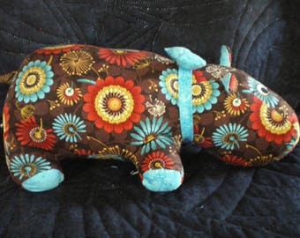 Hippo made of multicolor patchwork fabric