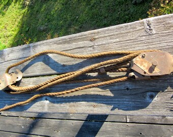 Pulley and Rope - Farmhouse Decor - Farm Tool - Industrial - Fence