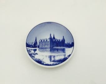Vintage Royal Copenhagen Denmark Frederiksborg Slot Miniature Plate, Blue And White Mini Decorative Plate