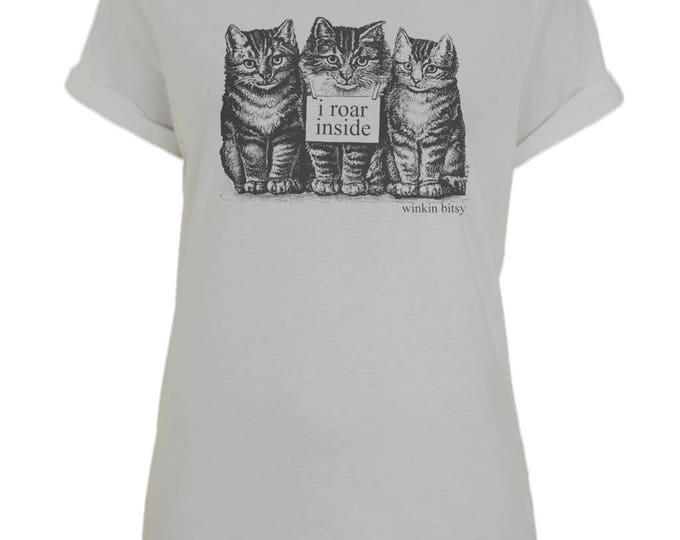 I Roar Inside Kittens Cats Womens Organic Cotton Boyfriend T-Shirt With Rolled Up Sleeves. Grey.