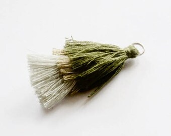 Tri-color tassel khaki / beige / grey