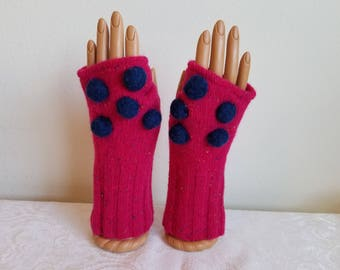Bobble Fingerless Gloves of Hot Pink Lambswool with Navy Bobbles