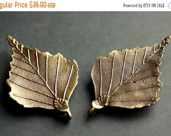 MOTHERS DAY SALE Set of Two Viking Brooches. Bronze Leaf Brooches. Norse Shoulder Brooches. Leaf Apron Pins. Viking Brooch Set Historical Re