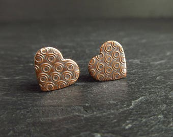 Heart shaped copper stud earrings with circle pattern, romantic jewelry for women, gift idea for copper wedding anniversary, post earrings