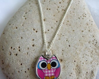 Owl Charm Necklace Silver Plated 18 Inches Pink Blue or Red