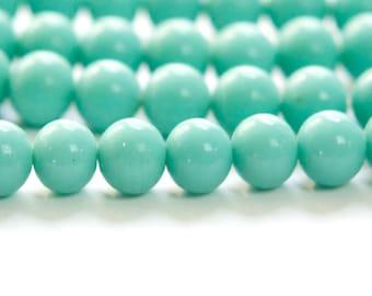 Vintage Green Turquoise Glass Beads Japan 8- 9mm (6) jpn005K