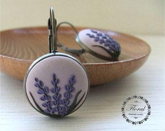 Lavender Earrings- Lavender Jewelry- Girlfriend Gift- Dangle Earrings- Drop Earrings- Flower Earrings-Flower Jewelry- Everyday Earrings
