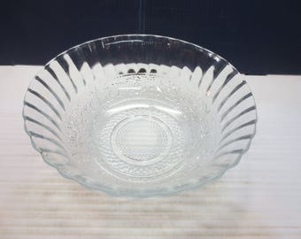 KIG Indonesia Clear Glass Serving Bowl Trellis Fleur de Lis Fruit Dessert