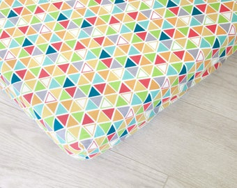 Organic Changing Pad Cover | Colorful Triangles