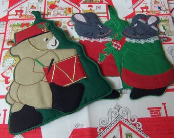two cute holiday hot pads