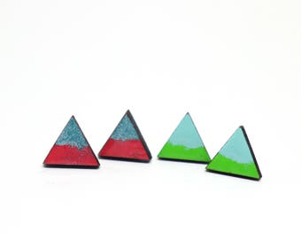 Studs wooden triangle in green/mint or raspberry/petrol