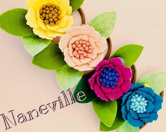 Single flower headband. Colorful blossoms for your special day.