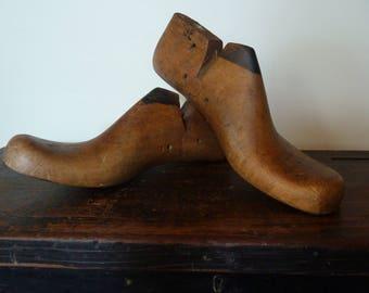 vintage wooden shoe lasts / antique shoe forms / men's size 9 e / shoe forms / stretchers / cobblers