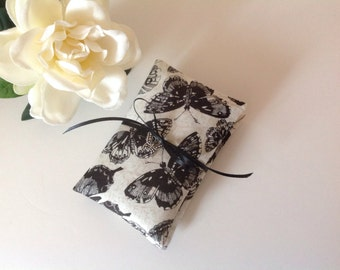 Lavender Sachets, Set of 2 Scented Sachets, Butterflies, Lavender Sachets, Dried Lavender filled Little Pillows, Eco Friendly Cotton