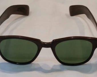 Vintage 50s-60s green lens sunglasses, faux wood grain, movie star, beautiful