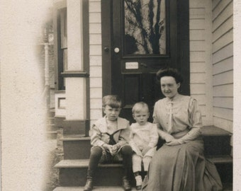 vintage photo Mother Boy and Sister w the pet Collie Dog