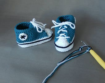 Crochet Converse All star baby booties slippers shoes sneakers socks girl boy newborn allstar babyshower birth mothers day