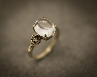 RECONDITIONED: 9ct gold ladies crystal ball ring. Size M. Free shipping.