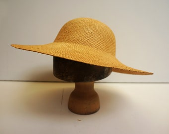 Straw Circle Brimmed Hat