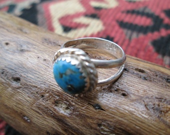 Turquoise and Sterling Silver Ring Size 5.5