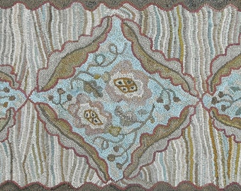 Majestic Runner in 2 Sizes rug hooking pattern on bleached primitive linen//floral hit or miss
