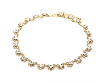 Classic crystal flower necklace