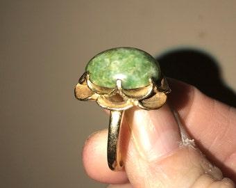 Vintage jade ring 14k gold floral design