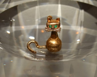 14k Mid-Century Modernist Articulated Tail Natural Earth Mined Emerald Eyes Cat Brooch/ Pin.
