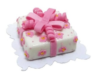 Dollhouse Miniature White Cake With Pink Ribbon 1:12 Scale