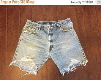 Closing Shop SALE Levis 517 jean shorts cut offs
