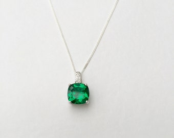 Emerald necklace, 3ct emerald pendant, 925 sterling silver emerald necklace, solid silver emerald pendant, cushion cut emerald necklace