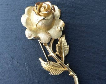 CROWN TRIFARI - 1960s Gold Plated Rose Brooch