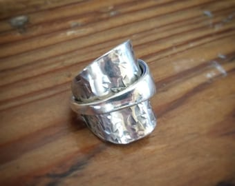 Beautiful Vintage Spoon Ring - Upcycled Jewelry - mens / ladies - Size L (UK size)
