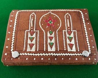 Vintage Genuine Soft Tan Leather Wallet with Native Design