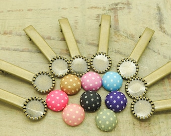 Kit clips to hair and fabric cabochons