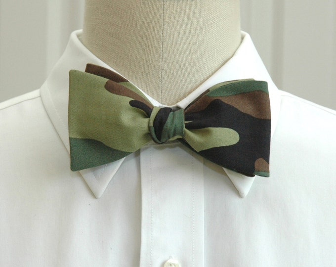 Men's bow tie in camo print, hunter's bow tie, huntsman gift, camouflage print bow tie, Duck Ball bow tie, duck dynasty tie, hunter gift