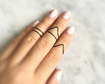 5 Black Stacking Rings,Above Knuckle,Black Knuckle Rings,infinity ring,black midi Ring,college student gift,wow,Elegant,Chic,monochrome,gift