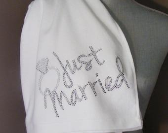 "BLING BEACH TOWEL - ""Just Married"""