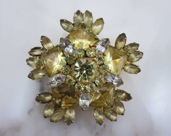 Juliana Jewelry Rhinestone Brooch - D&E, Yellow Stones, Costume Jewelry, Delizza and Elster AS IS
