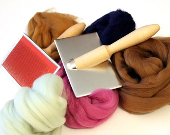 Hand Carders plus 100g - 3.5oz Wool  Pair of small carders Wooden Handles for preparing fibres