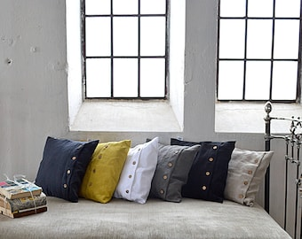 Heavy weight throw linen pillowcase - Pillowcases with coconut buttons - Throw pillowcase - Soft linen pillow cover