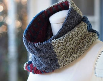 Abenaki Cowl // Hand knitting Pattern // digital download // worsted weight