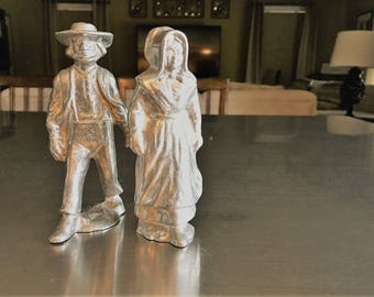 Two Vintage Pewter Amish Figurines  - Wilton Armetale - Man and Woman