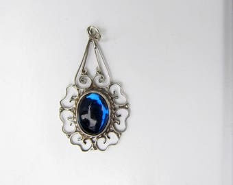 Hecho Mexico Sterling Silver Filigree Pendant with Blue Glass Cabochon - 2511