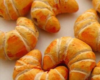 4 Tiny Croissant Beads - CB680