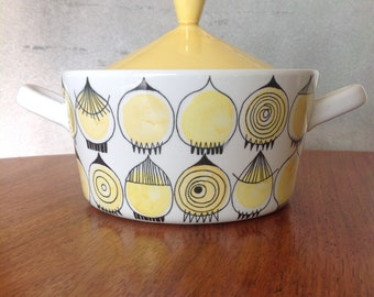 Rorstrand Picknick rare pot tureen - Marianne Westman onion #112 design - Swedish mid century