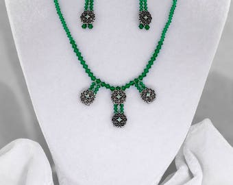 Floral Green beaded necklace with earrings