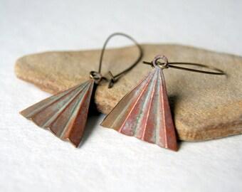 Geometric Triangle Earrings - vintage corrugated brass - antiqued brass earwires - geometric dangle